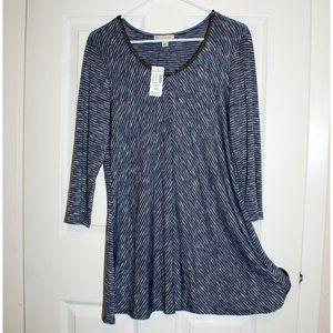 Beautiful lightweight blue & white tunic! (NWT)